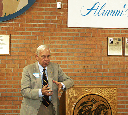Roger Reitz, WOF inductee, at the Wall of Fame dedication.