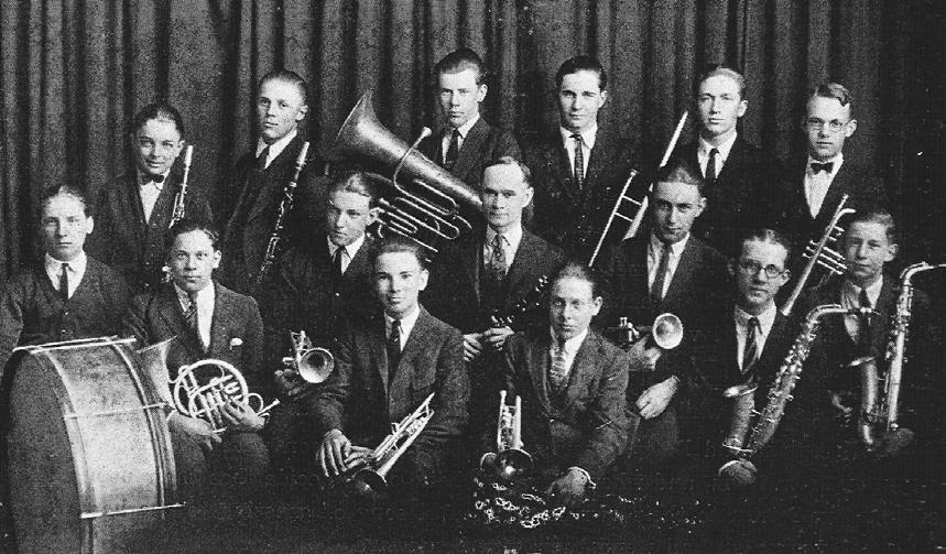 Photo 2: High School Band, 1923 Blue M