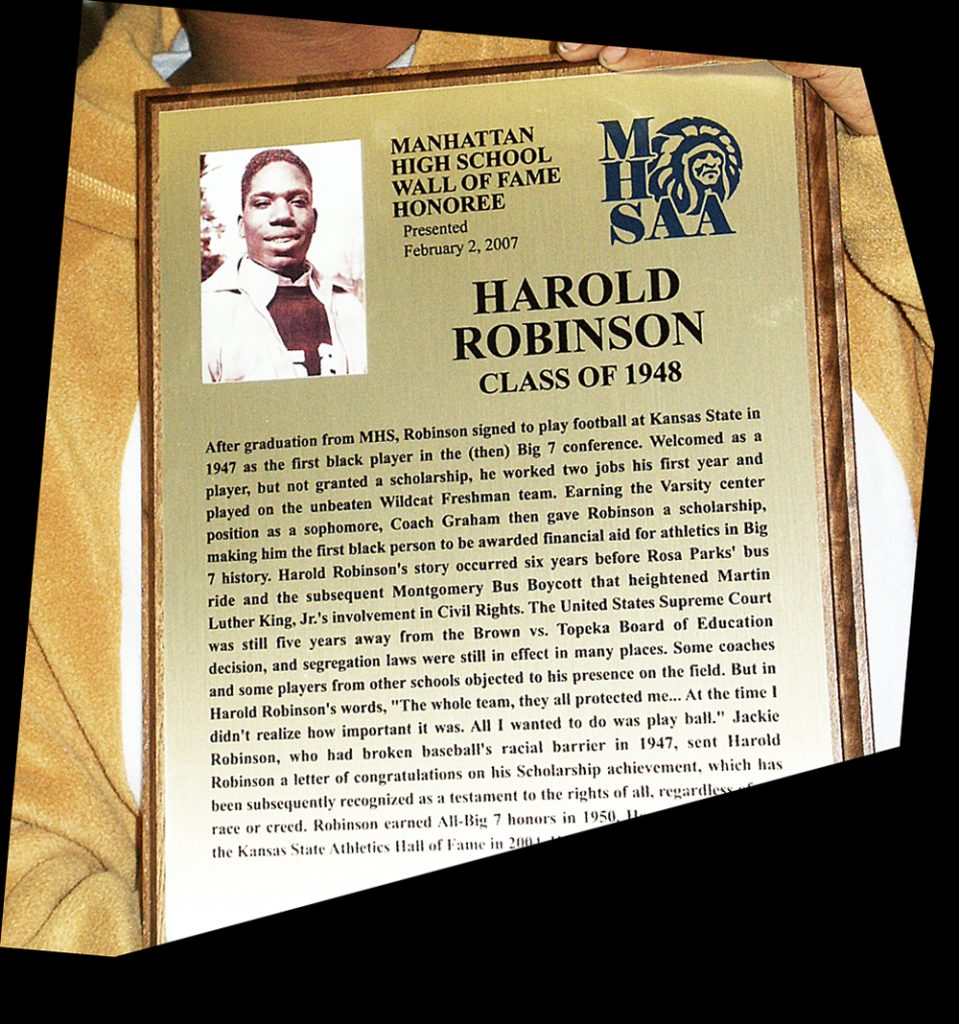 WALL OF FAME PLAQUE Each Wall of Fame recipient is given a bronze plaque and an identical plaque is permanently mounted in the main hall of MHS West. MHSAA inducted it's third Wall Of Fame Class into the Wall of Fame were held January 9, 2009 at MHS West. Shown here is the plaque for Harold Robinson '48, honored in the first Wall of Fame Class in 2007.